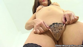 hd xxx vidieos dilevri My stepsister force