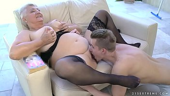 30cm grandma in Russian feet slave