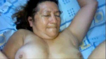 cogiendose suegra ala Big tit kinga enjoys this hard cock in a bath tab