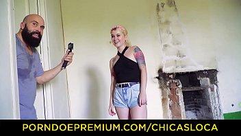 chicas latinas de porno Horny brunette daughter gets caught by hot mom10