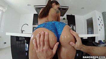 lockhart on huge tits ass lexxxi and Bikini praia brasil