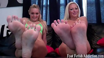 maroe mistress feet 10 worship size Big tit daughter dad
