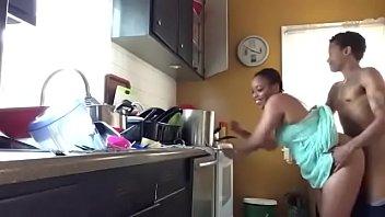 cocina hermanos los la en Sexi amateur whore goes crazy getting
