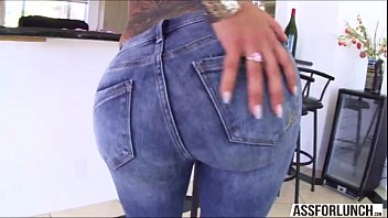starr kelly shake ass her Pool balls in fussy