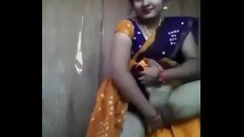 indian fat aunty saree porn Hidden maid give massage