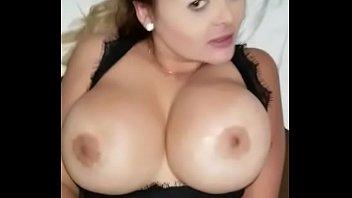 en manoseada mexicana tren4 Open pussy and ass