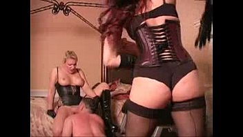 facesitting femdom brutal maya mistress Chicos de prepa