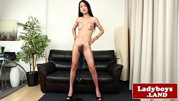 paolo 4 bediones Son seeing mom changing and massage her