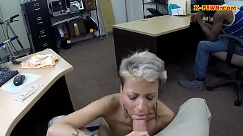 lets gf guy on blow vacation strangers Husband shares bbc