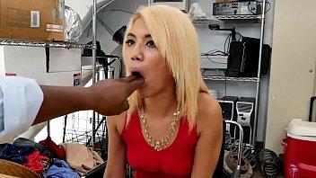 n pembantu boss Big booty hoes fucking in threesomes doggy style