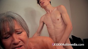 ewe download son Mature lesbian gets first go of sex swing